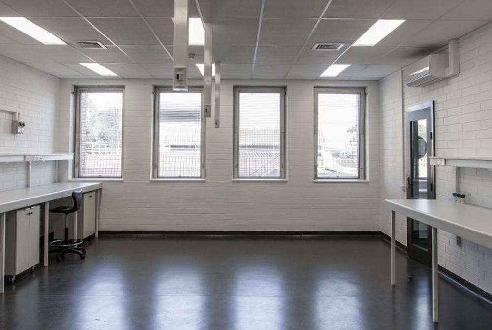 University-Laboratory-Fitout-1