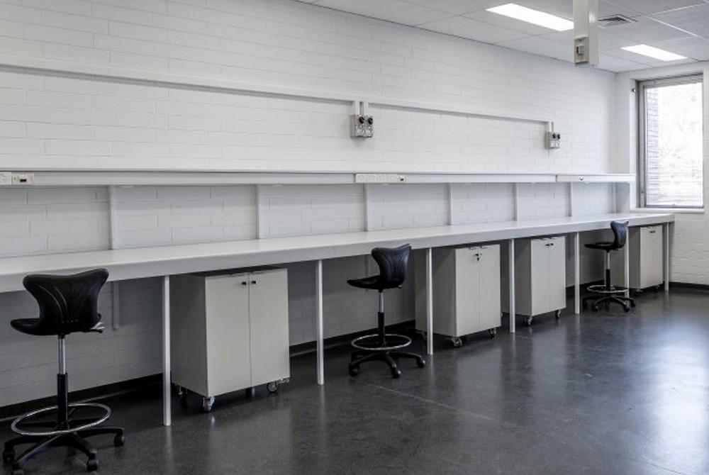 University-Laboratory-Fitout-3